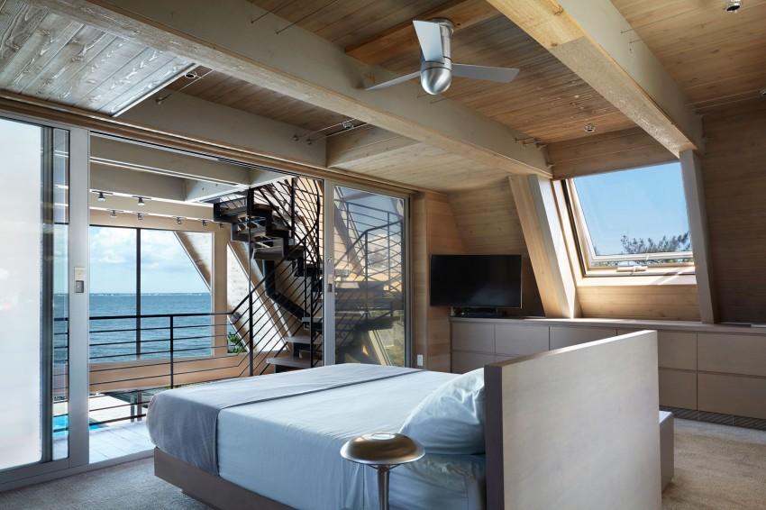 Esta casa de al lado de la playa reinventa el diseño irónico de los 60 10
