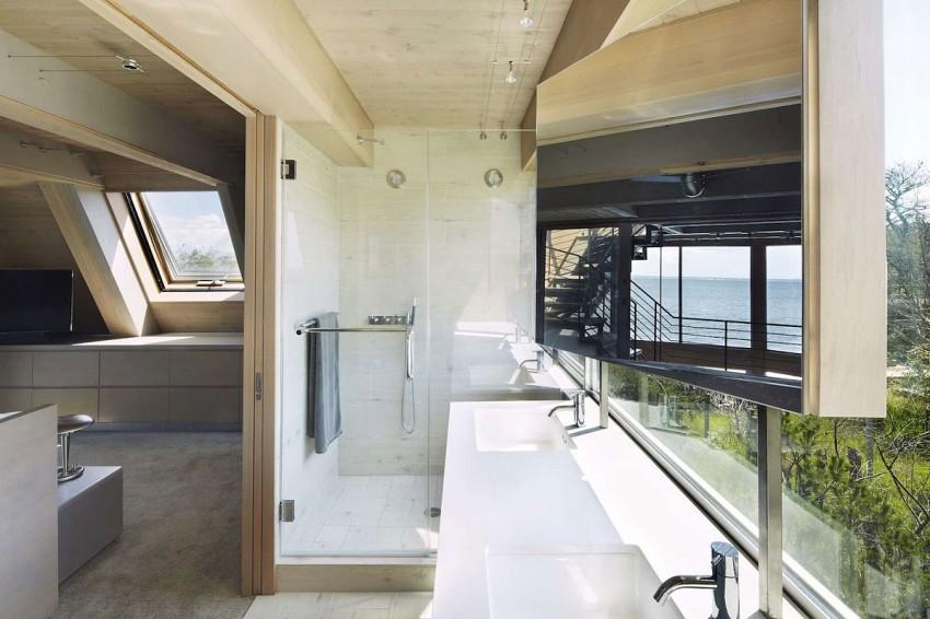 Esta casa de al lado de la playa reinventa el diseño irónico de los 60 11