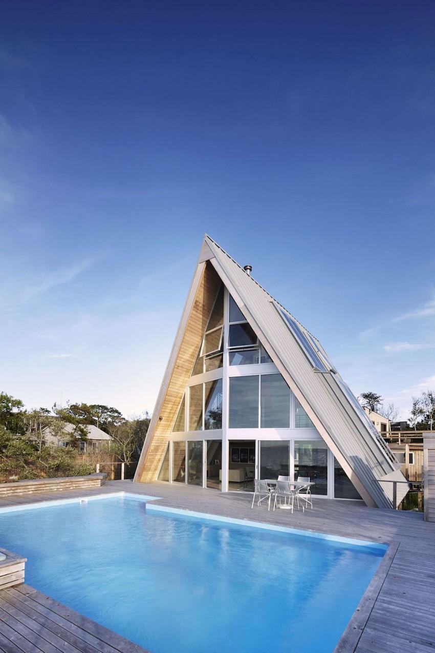 Esta casa de al lado de la playa reinventa el diseño irónico de los 60 14