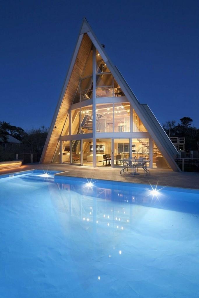 Esta casa de al lado de la playa reinventa el diseño irónico de los 60 16