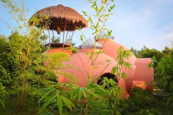 Esta fantástica casa de cuento se ha construido en tan solo 6 semanas en Tailandia 14