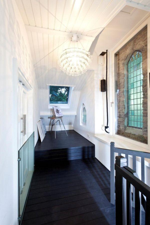 Histórica iglesia convertida en una casa privada en Holanda 12