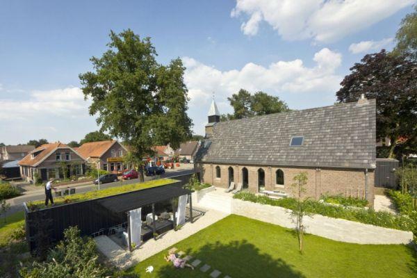 Histórica iglesia convertida en una casa privada en Holanda 2