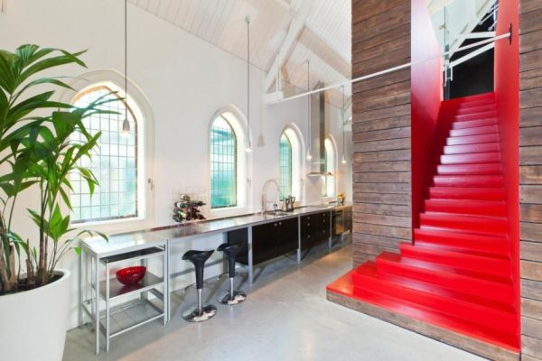 Histórica iglesia convertida en una casa privada en Holanda 5