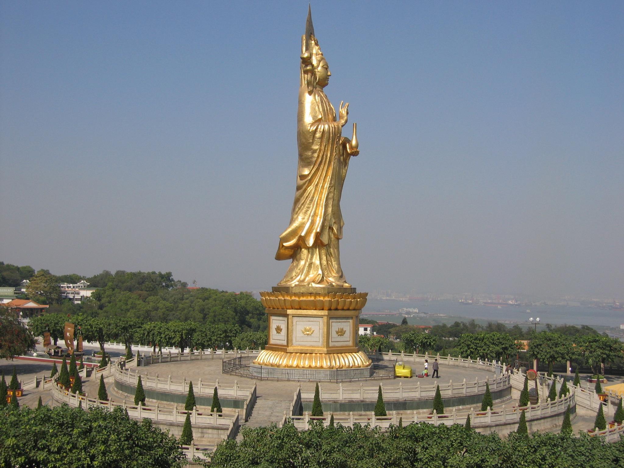 estatuas enormes 13