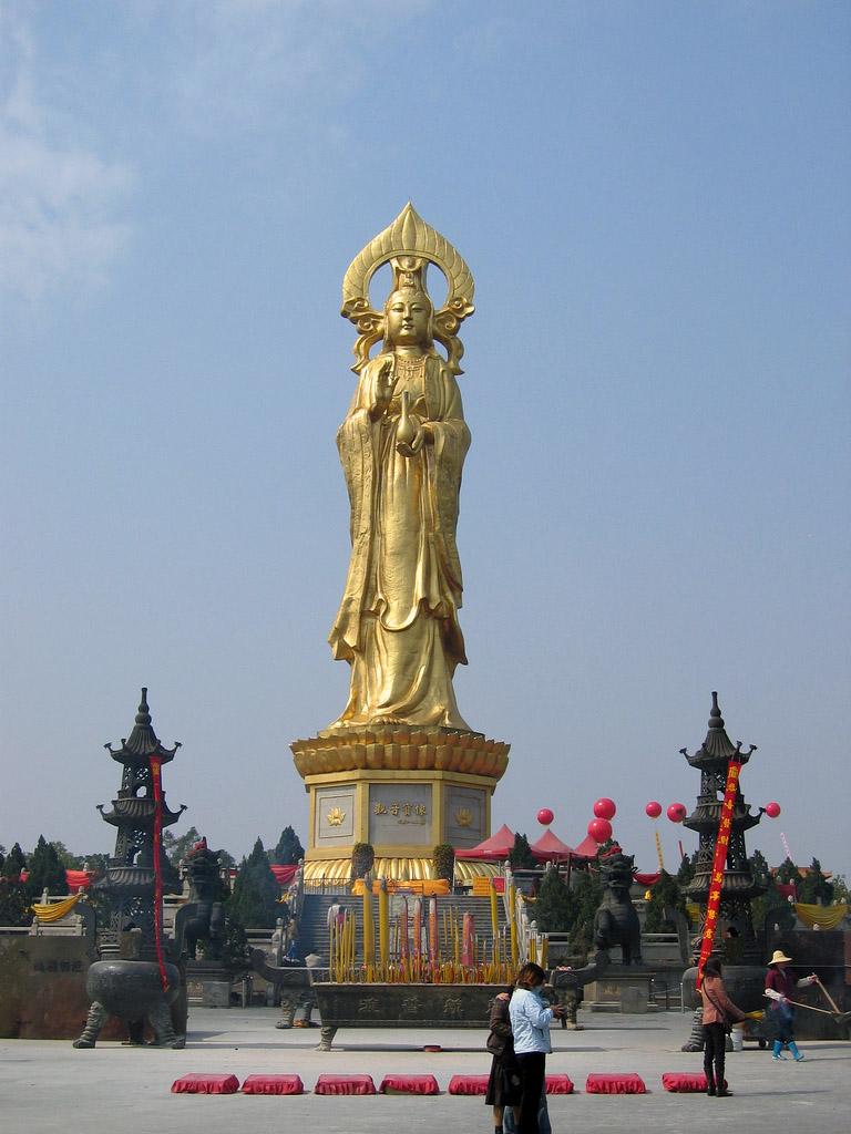 estatuas enormes 14