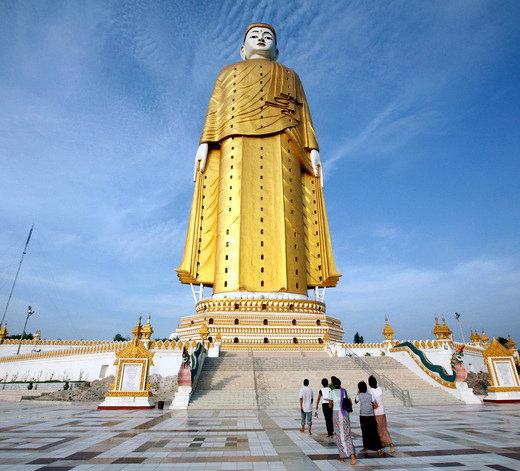 estatuas enormes 15