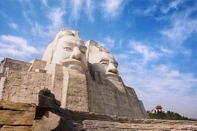 estatuas enormes 3