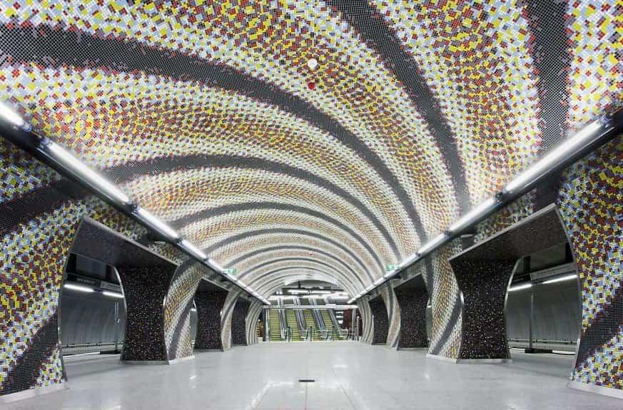 estacion de metro moderno 12