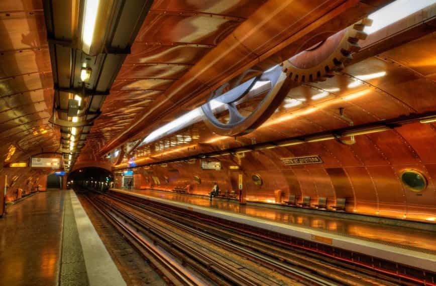 estacion de metro moderno 14