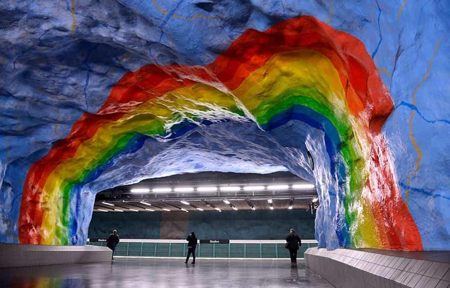 estacion de metro moderno 2