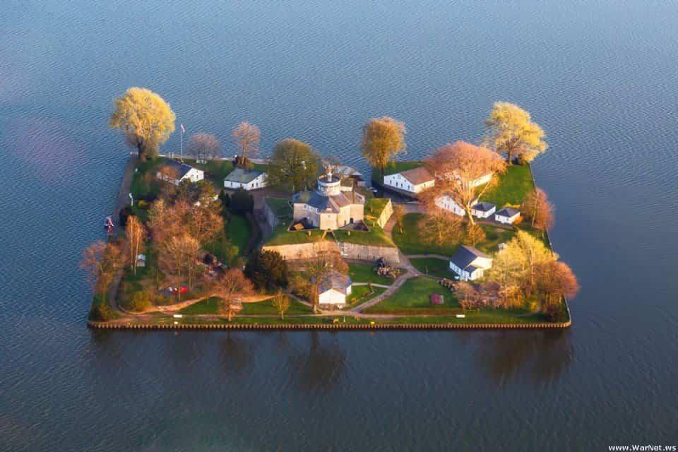 isla cuadrada alemana 1