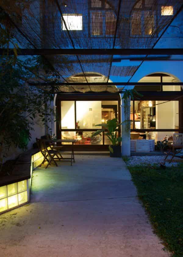 vieja lanvanderia transformada en casa moderna 7