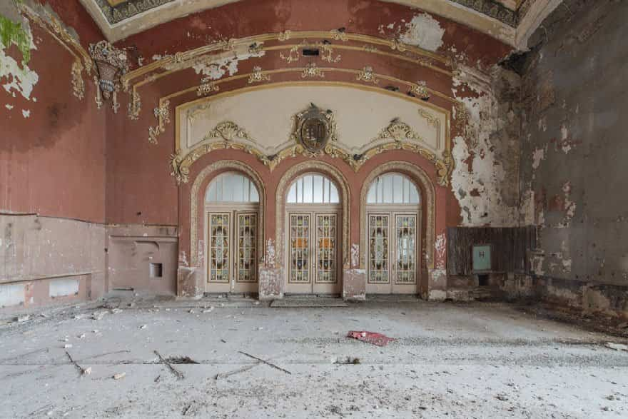 casino abandonado mar negro 11
