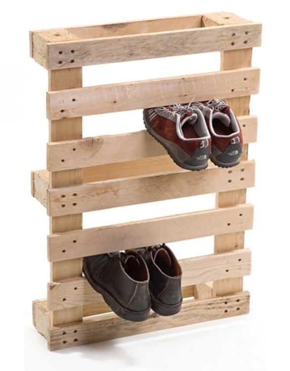 Aprende a reciclar palets de madera para convertirlos en for Mueble guarda juguetes
