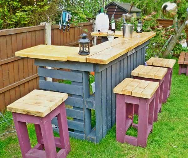 Aprende a reciclar palets de madera para convertirlos en - Muebles de jardin de palets ...