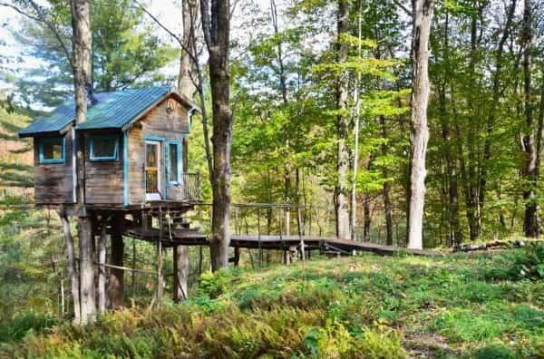 Cuando conozcas esta casa del rbol querr s vivir en ella for Hotel con casas colgadas de los arboles