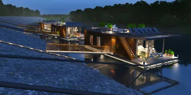 casas flotantes en el río Danubio con pasarelas para subir a la orilla