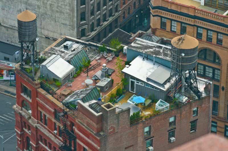 casa con jardín en una azotea de Nueva York