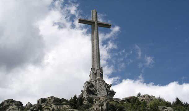 Cruz valle de los caídos