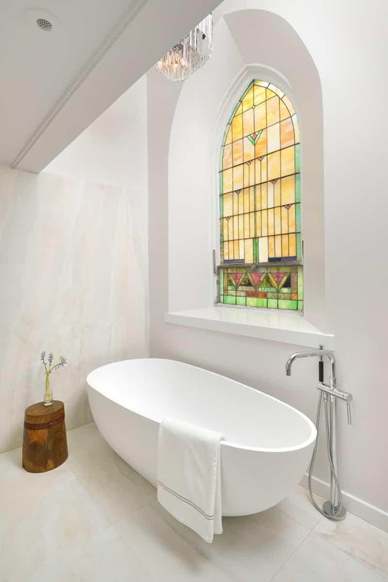 un cuarto de baño de la iglesia reformada
