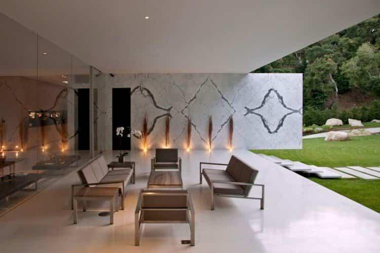 decoración en el interior de la casa transparente