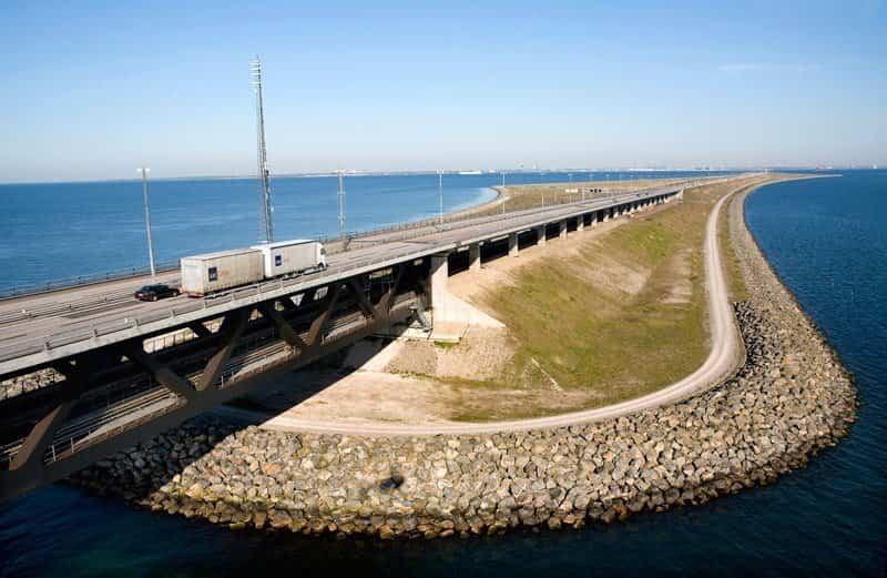 Puente Øresund llegando a la isla artificial