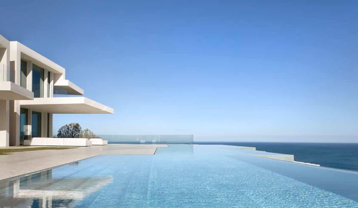 casa sardinera, la mejor piscina residencial de europa