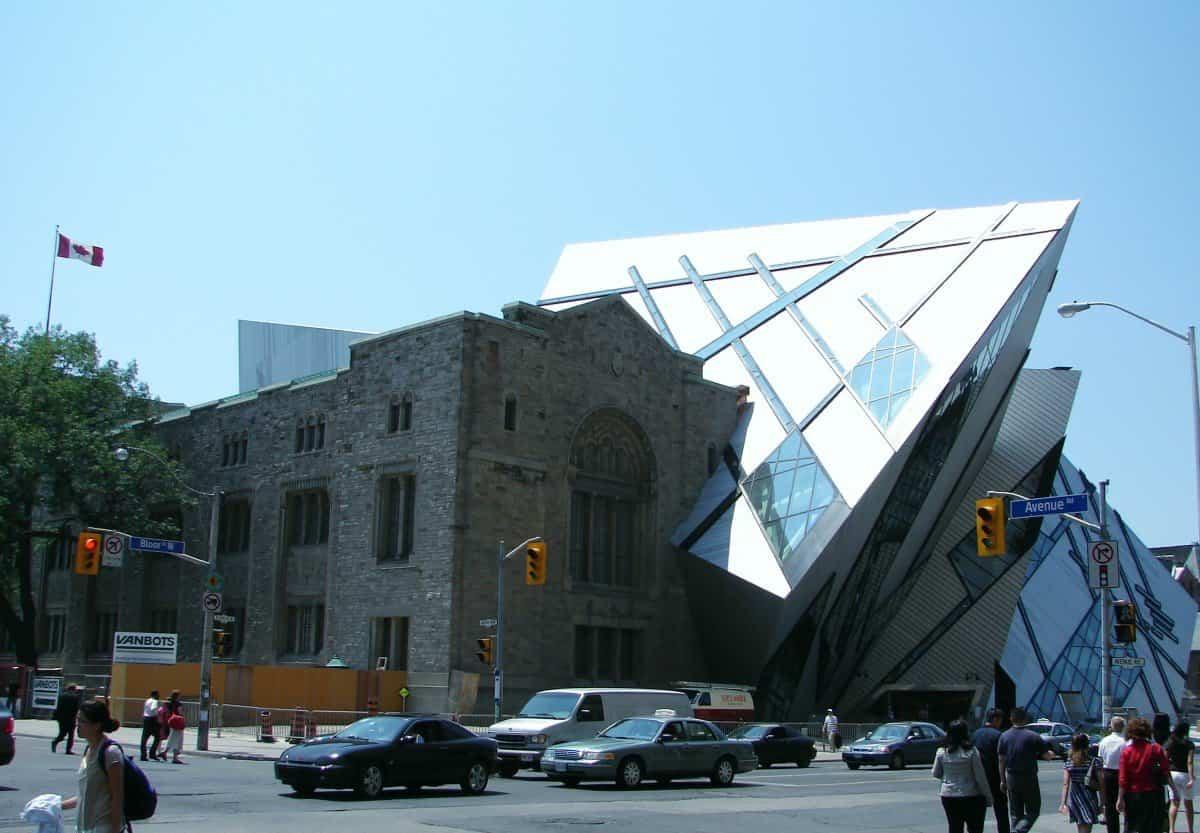 arquitectura poco convencional - museo real de ontarioRoyal Ontario Museum