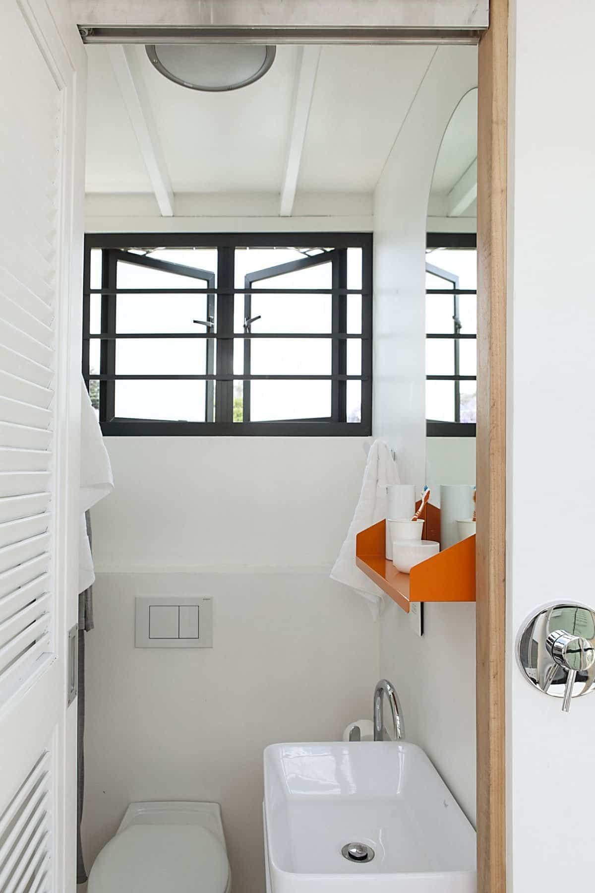 Pop iDladla ventana del baño