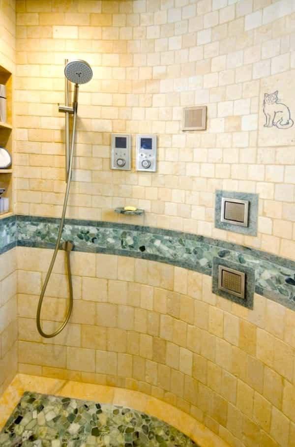 casa reformada para catorce gatos - plato de ducha