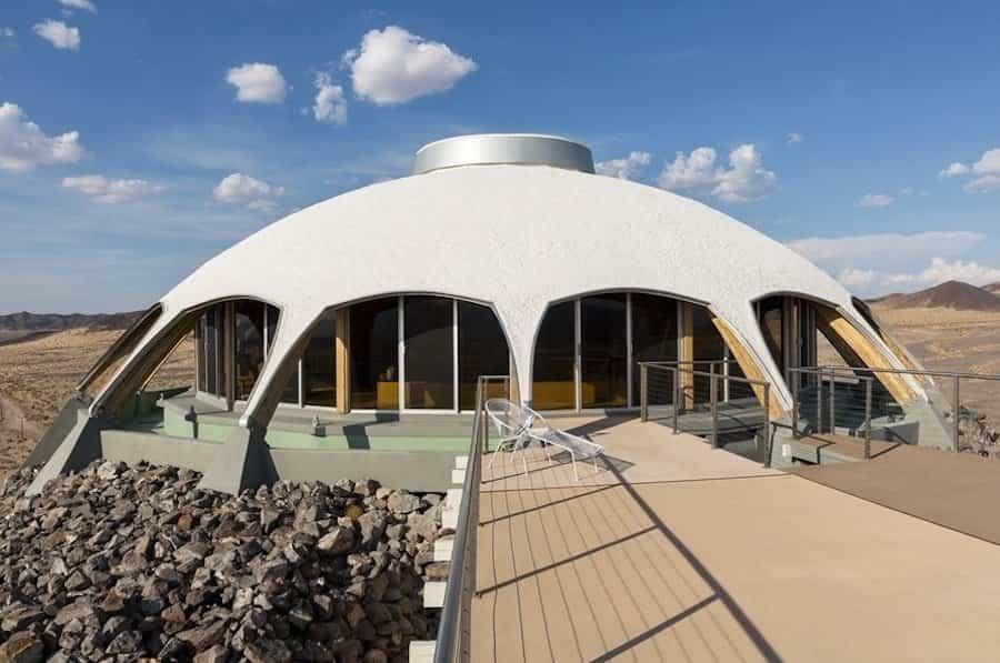 Casa Volcán con forma de platillo volante