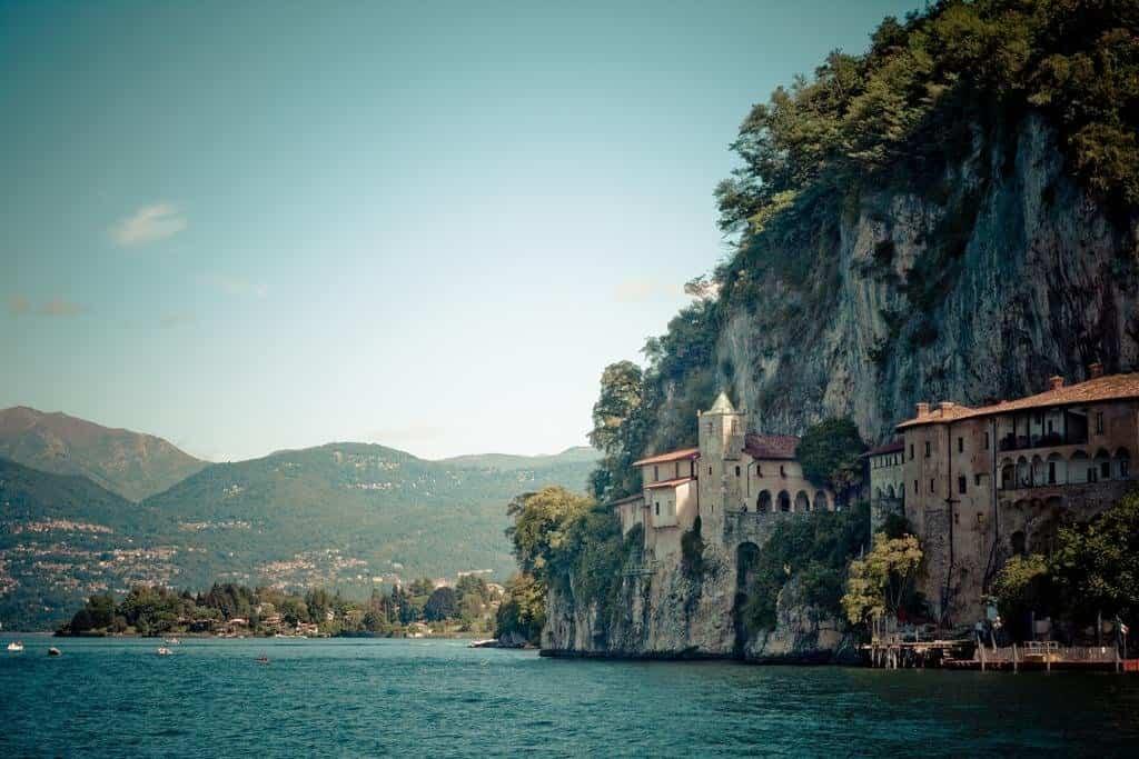 Edificios increíbles - Santa Catalina del Sasso