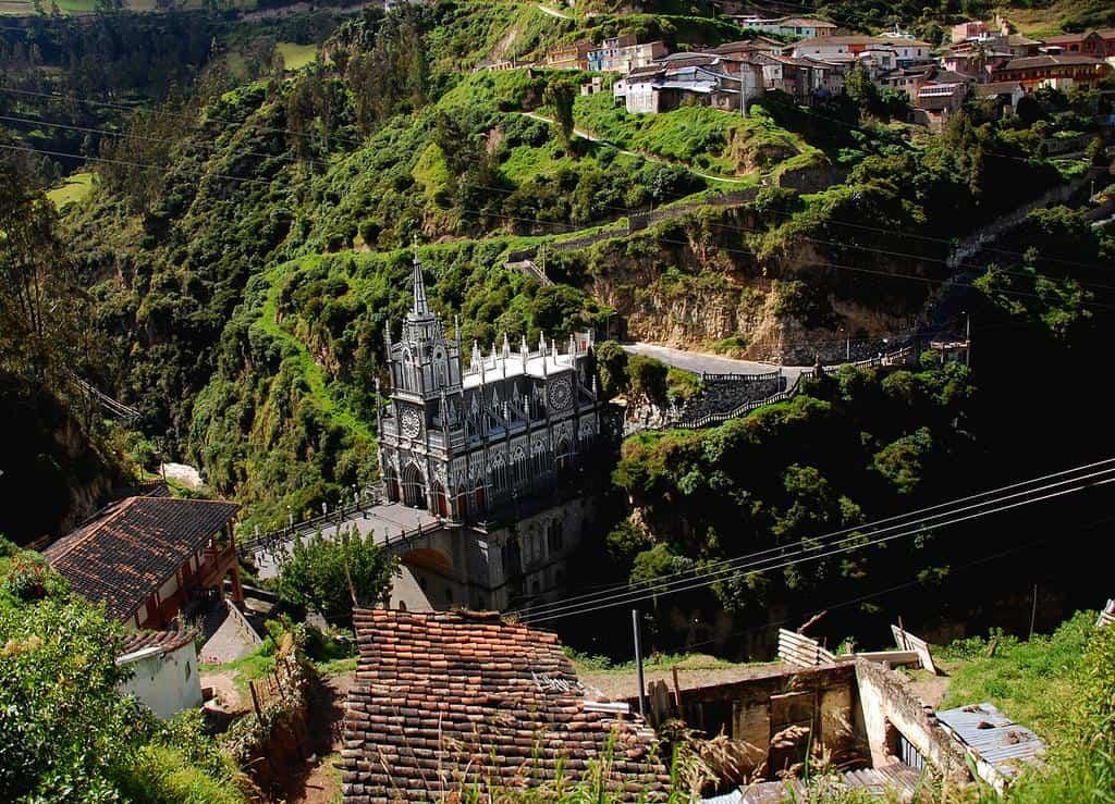Edificios increíbles - Santuario de Las Lajas