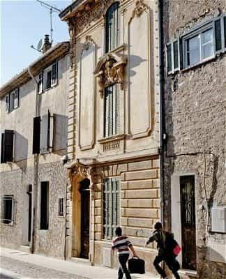 reforma edificios viejos - fachada original edificio 300 años