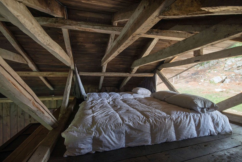 refugio rústico a partir de un granero dormitorio principal