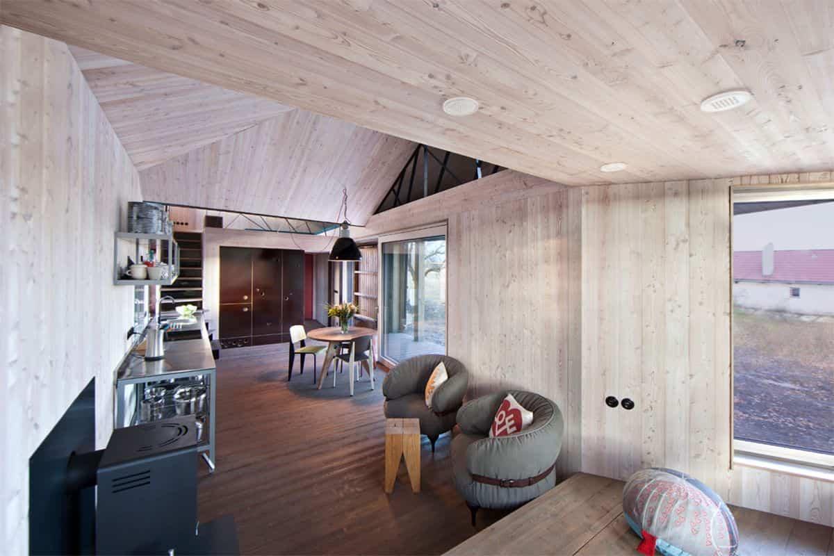 Casa de madera Zilvar forrada de madera
