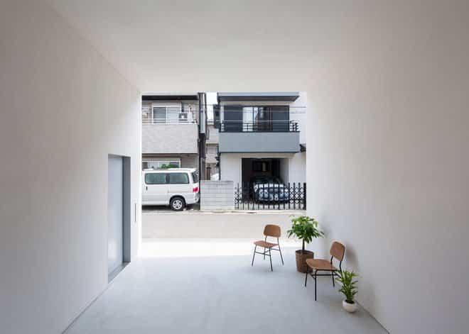 Casa minimalista japonesa garaje de la vivienda