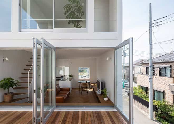 Casa minimalista japonesa con terraza para yoga for Terrazas japonesas
