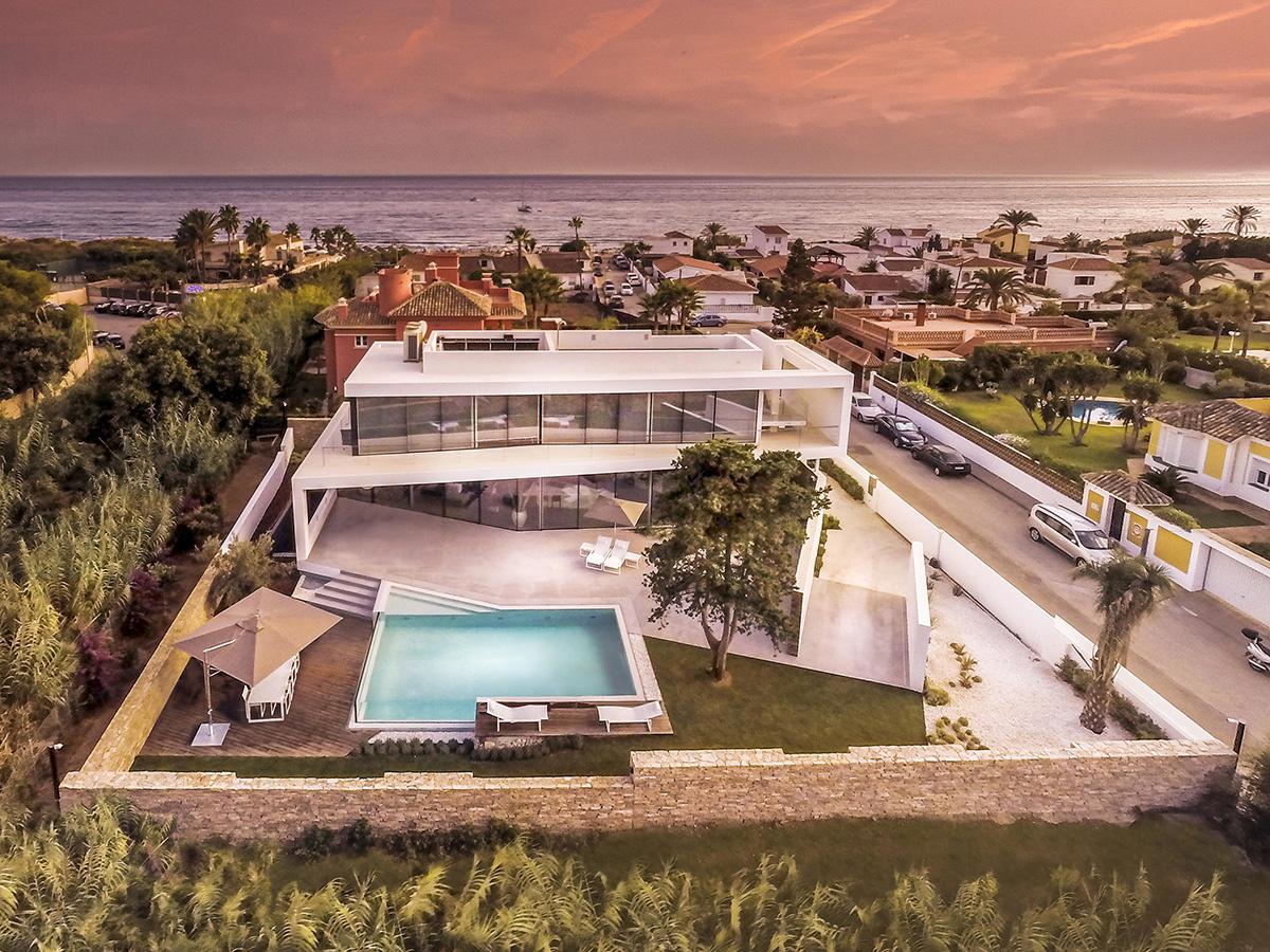 Casa moderna a orillas del Mediterráneo - playa a pocos metros
