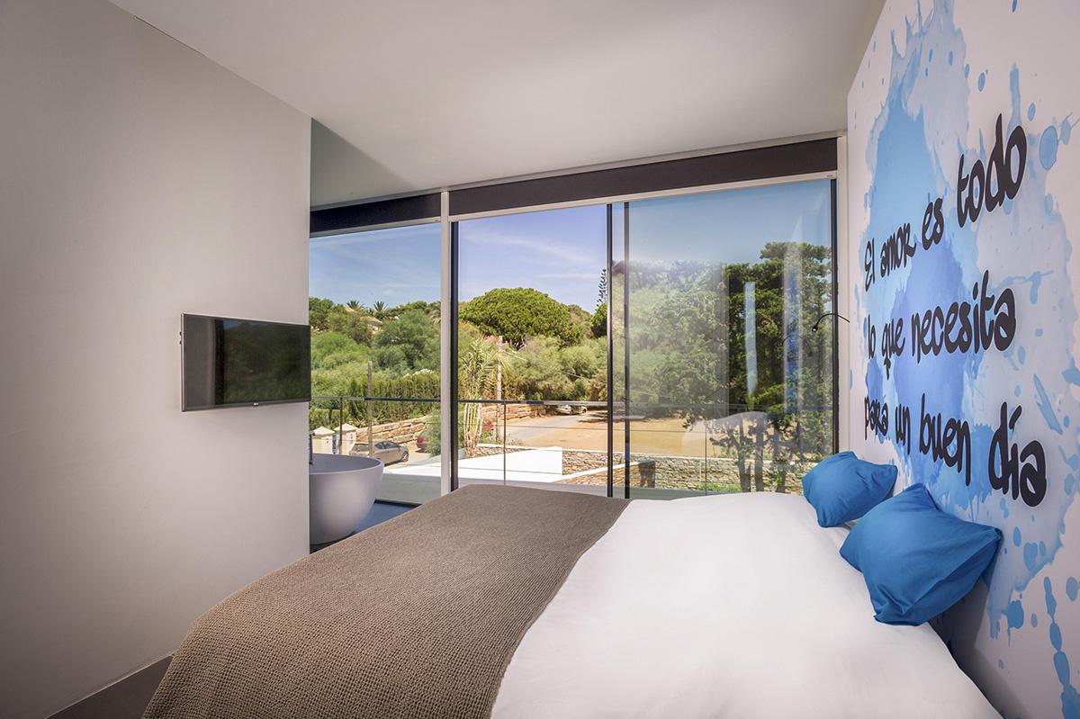 Casa moderna a orillas del Mediterráneo - dormitorios peronalizados