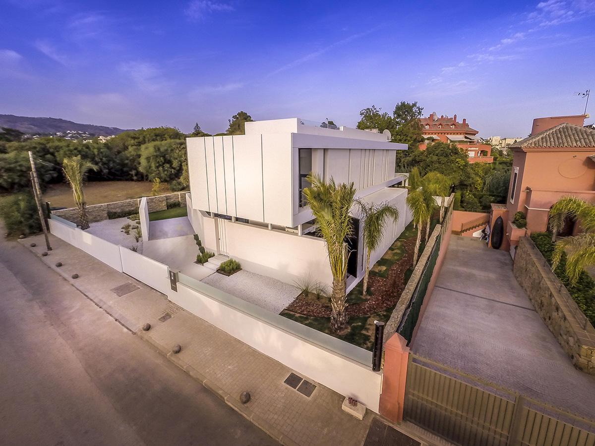 Casa moderna a orillas del Mediterráneo - jardín separador