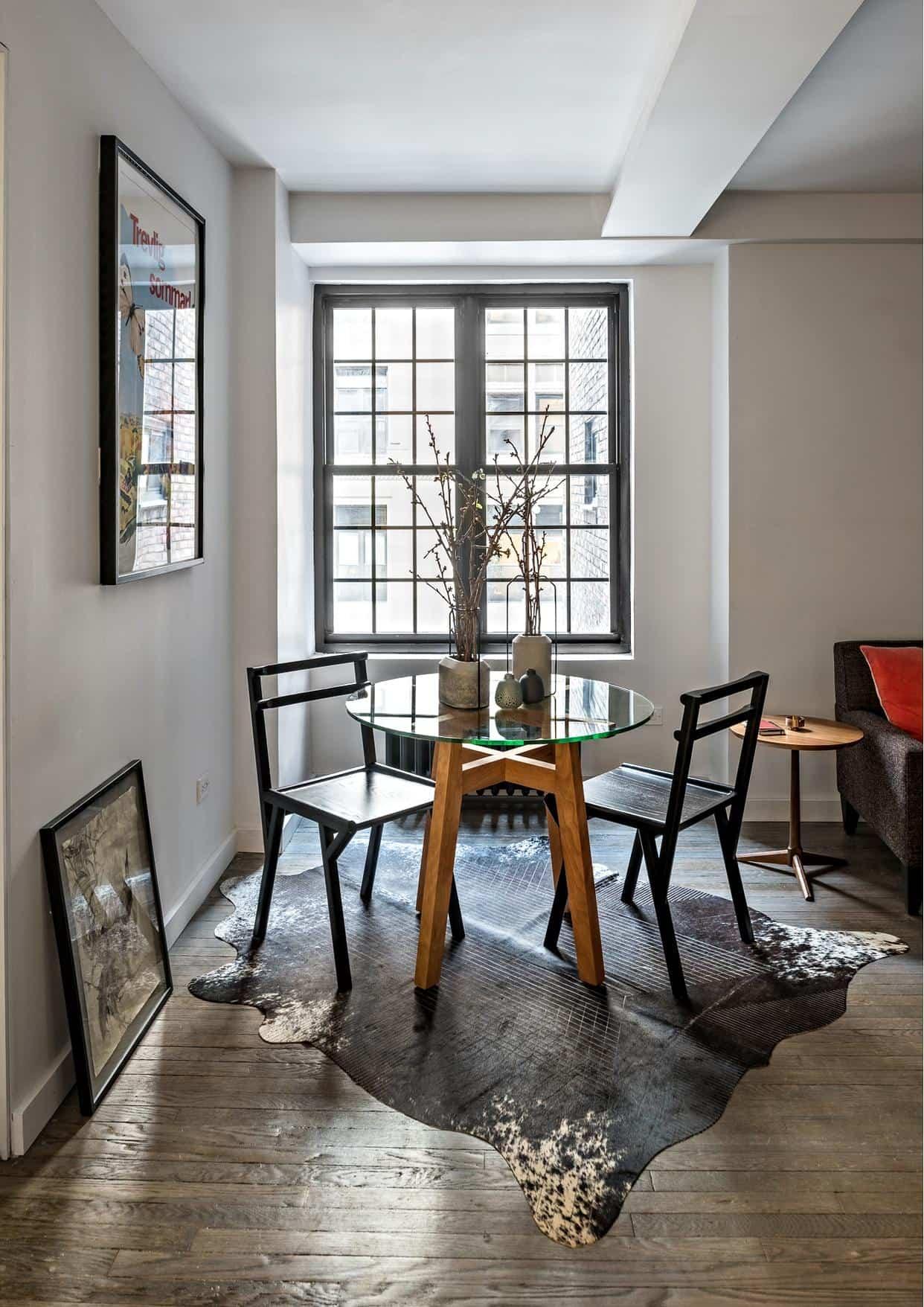 apartamento 5 en 1 mesa cerca de la ventana