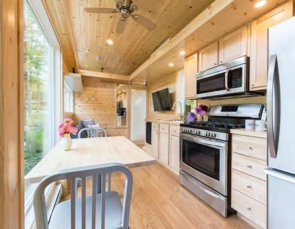bonita casa sobre ruedas amplia cocina
