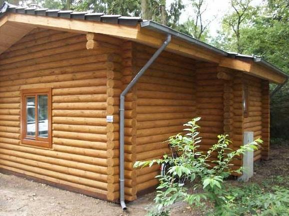 recogida de aguas para la cabaña de madera