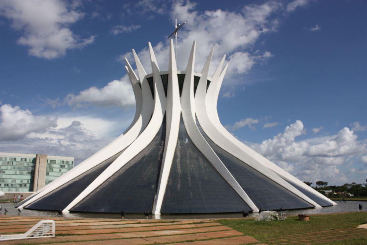 iglesias más impresionantes del mundo - Basilica de Brasilia