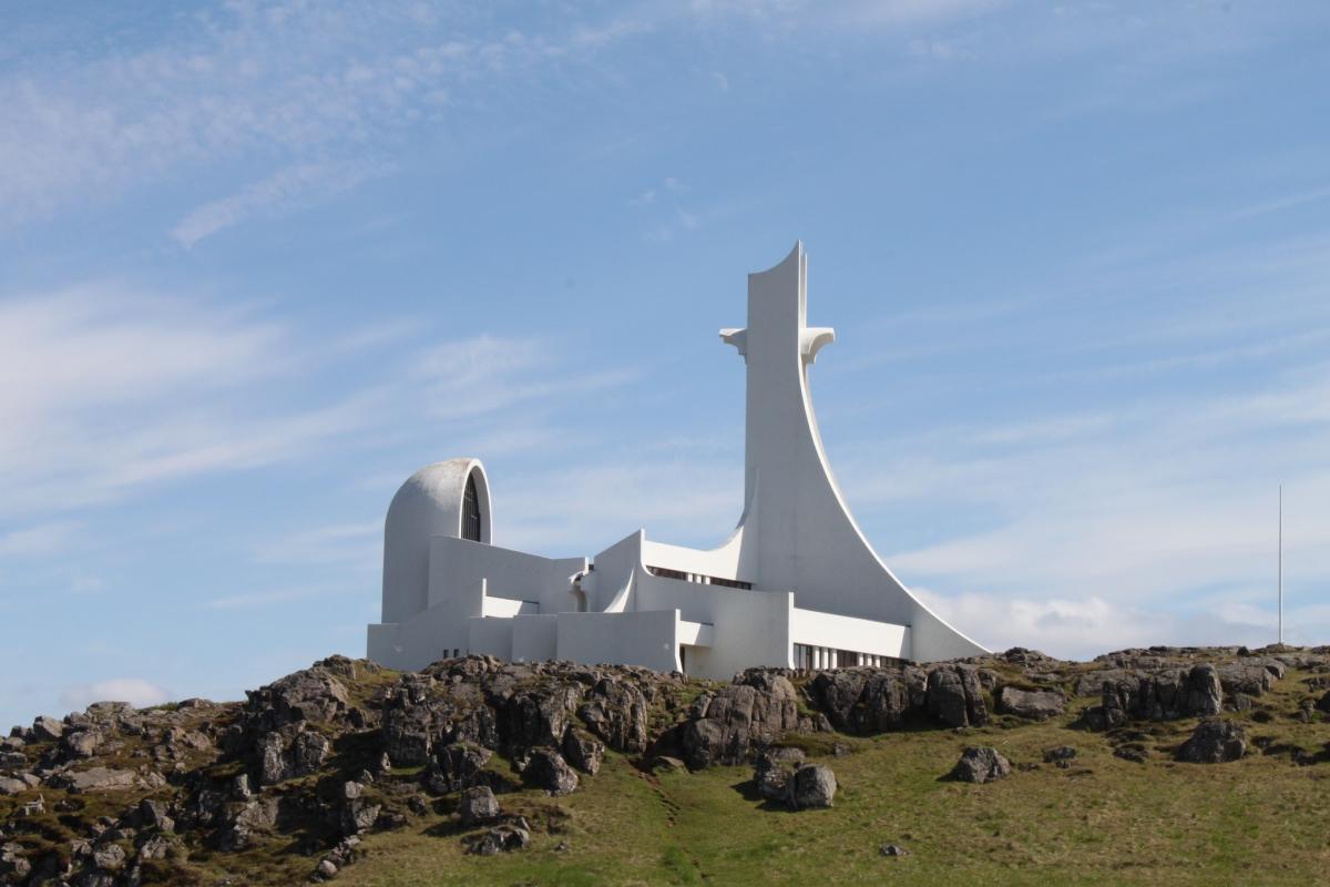 iglesias más impresionantes del mundo - iglesia Stykkishólmskirkja