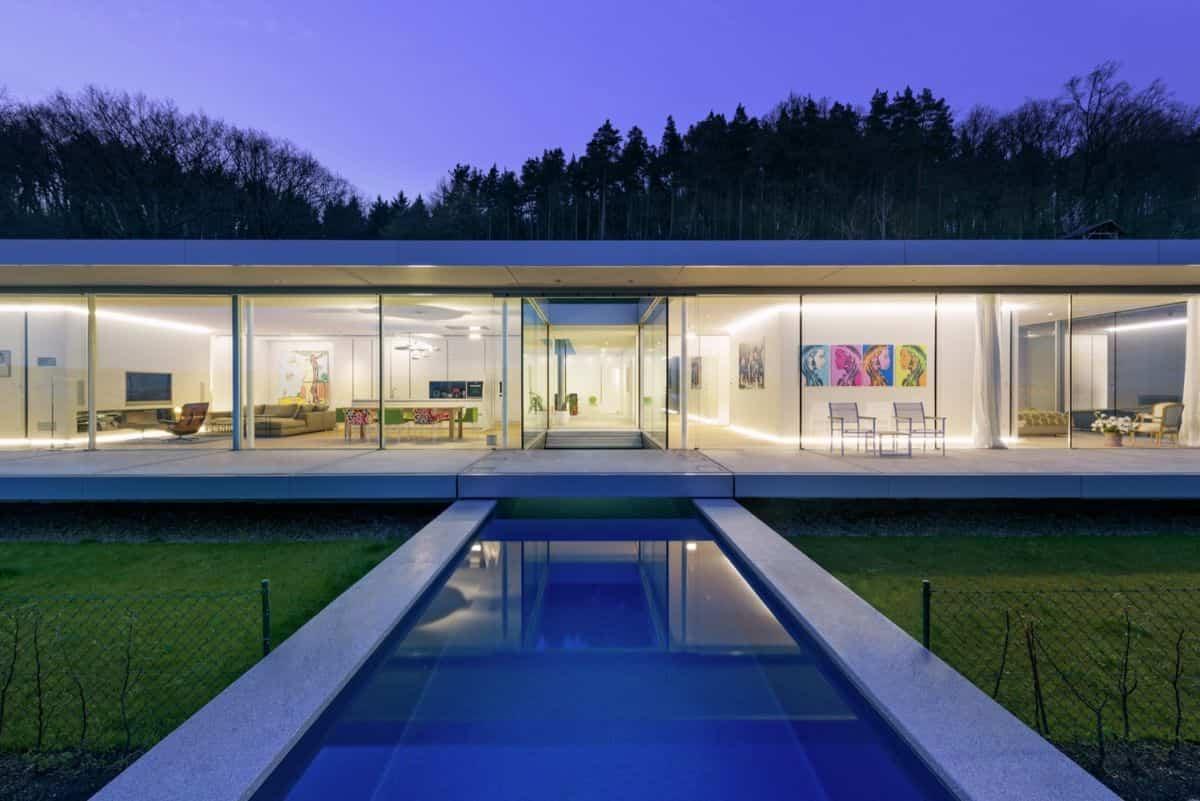 Proyecto Villa K en Alemania vista de noche