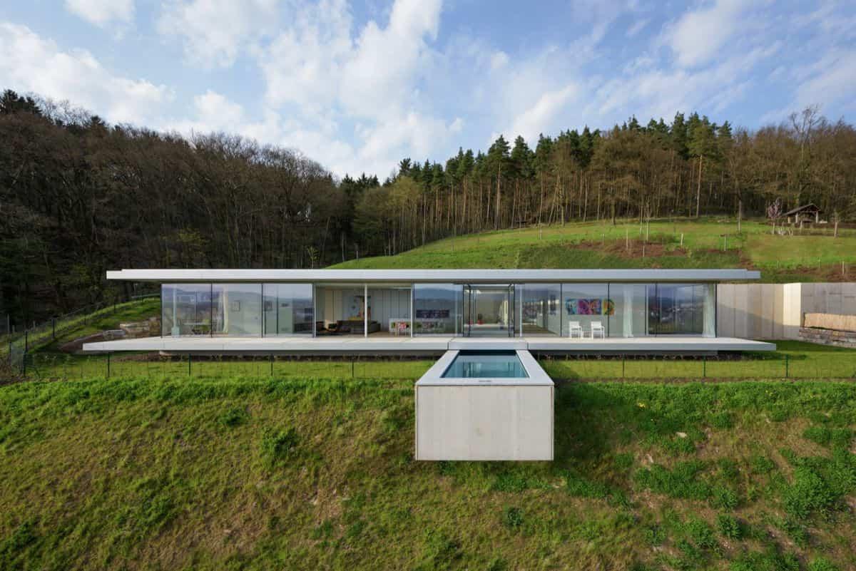 Proyecto Villa K en Alemania piscina perfendicular
