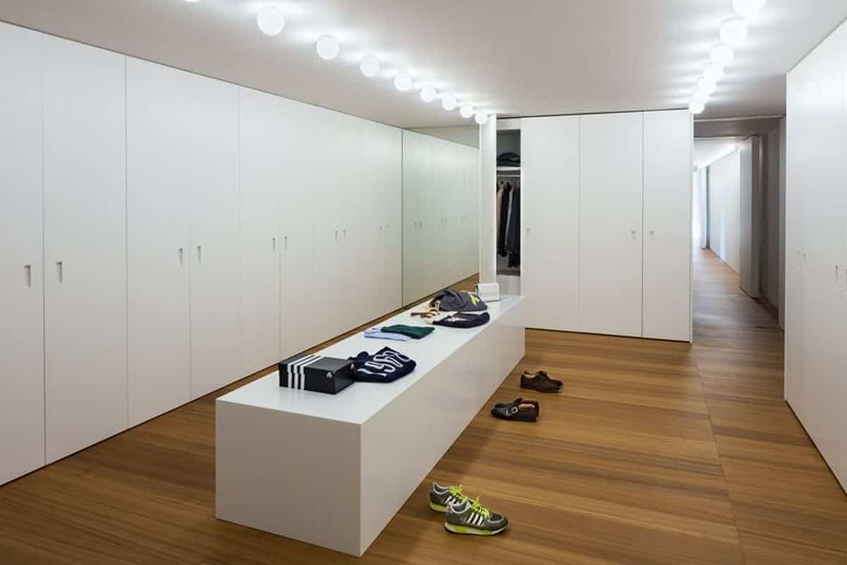 residencia moderna en Montebelluna - vestidor familiar